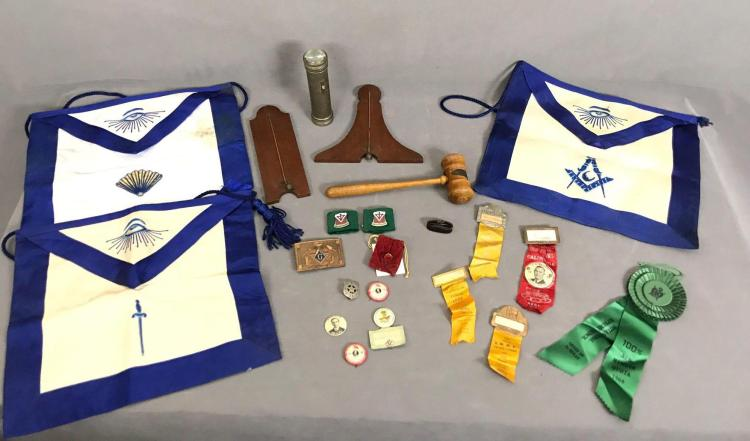 Collection of 22 Masonic aprons, ribbons and others