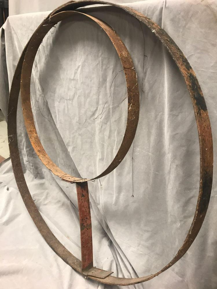 Double round cast iron piece for lighting, mobile, yard and garden art