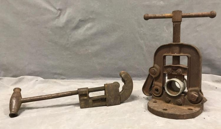 Antique pipe fitter Wrench vice manufactured by Erie Tool Works, Erie Pennsylvania, USA and pipe cutter