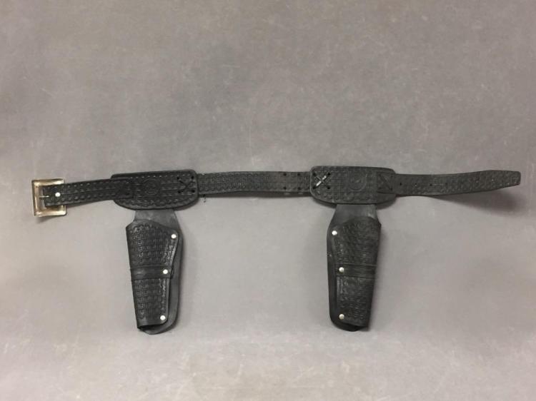 Vintage Mattel Fanner double holster toy gun belt, Lone Ranger style