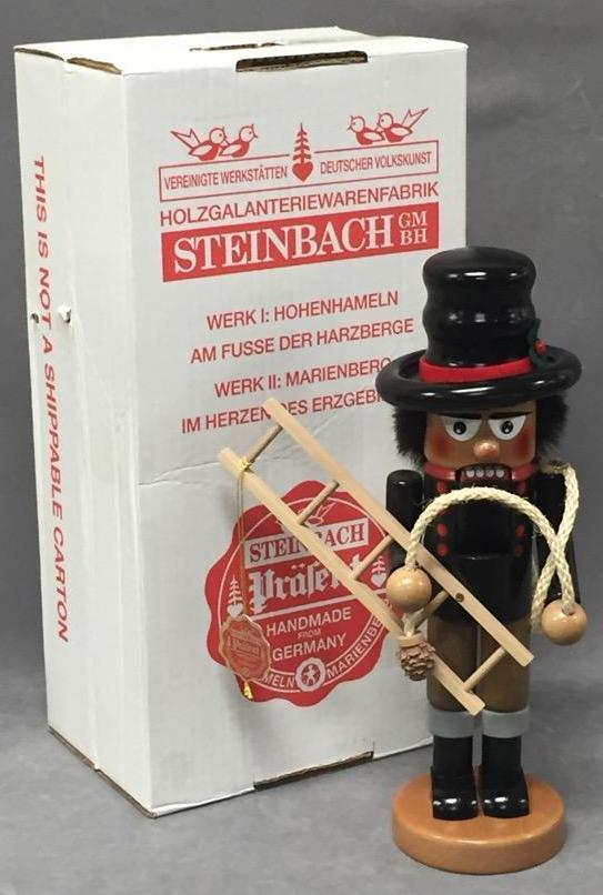 Large Steinbach German nutcracker w/original box