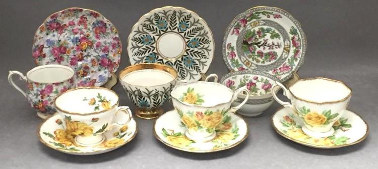 6 Porcelain teacups & saucers