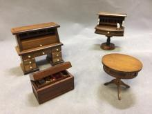 Lot of (4) dollhouse furniture, roll top and more