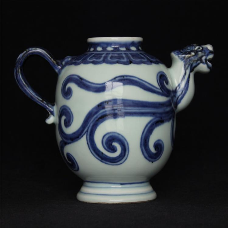 Blue and white porcelain pot of Ming Dynasty XuanDe mark.