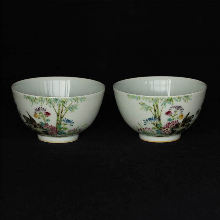 Pair famille rose porcelain bowls of Qing Dynasty YongZhneg mark.