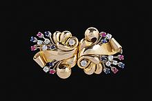 An 18kt white and pink gold double clips brooch