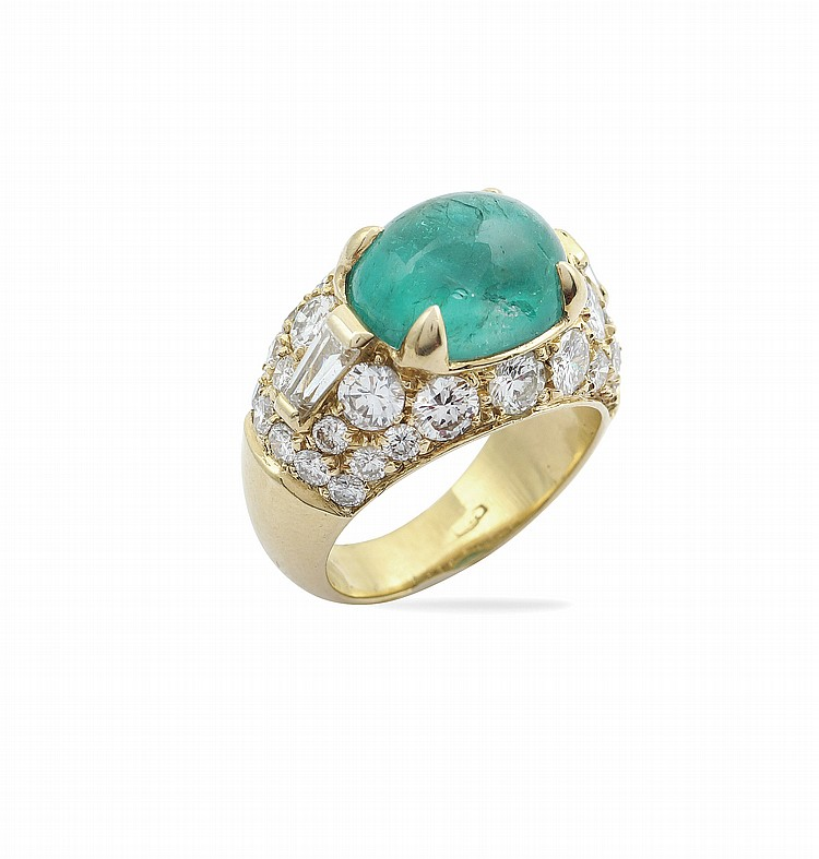 A Bulgari 18kt gold ring with natural emerald
