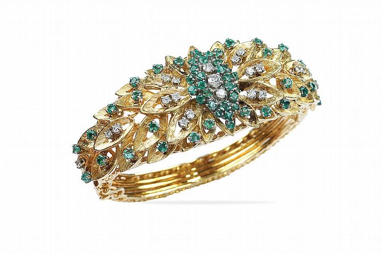An 18kt gold cuff bracelet