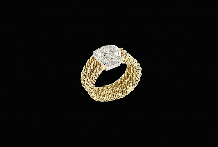An 18kt gold and white gold Pomellato ring