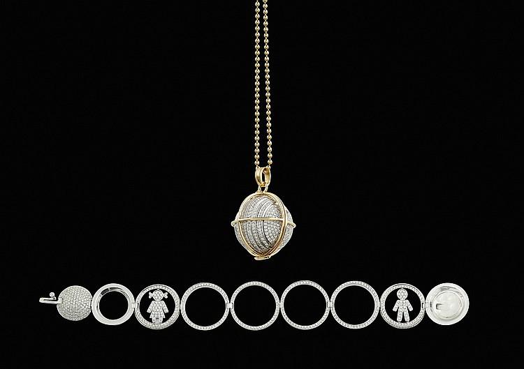 An 18kt pink gold globe shaped pendant