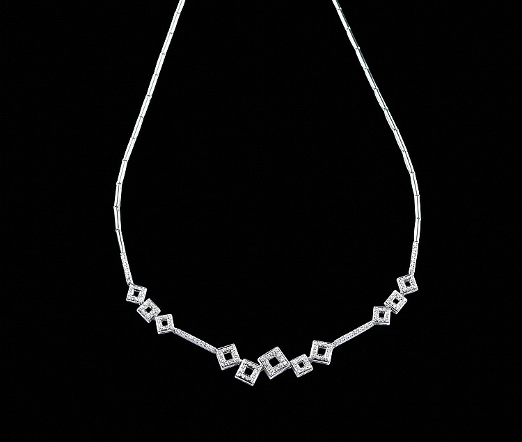 An 18kt white gold necklace