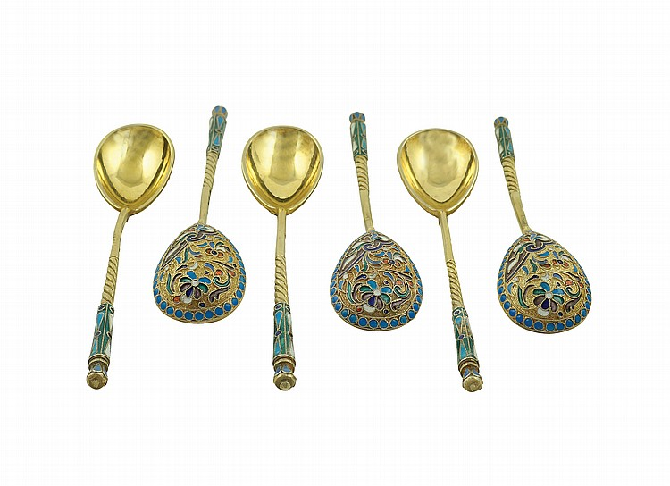 A vermeil silver and enamel tea spoons set (6)