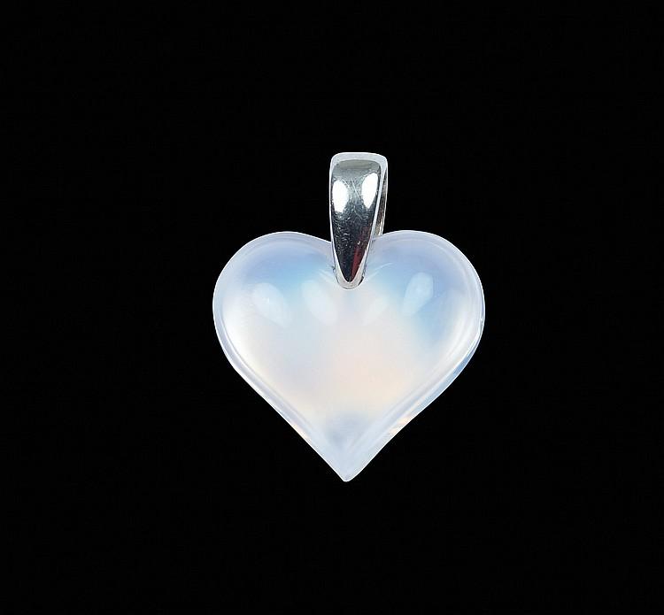 A Lalique heart pendant,
