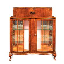 Walnut Art Decò bar cabinet France, 20th century 177,5x103x31 cm.