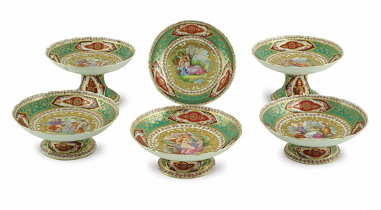 A set of Wien style porcelain centerplates (6)