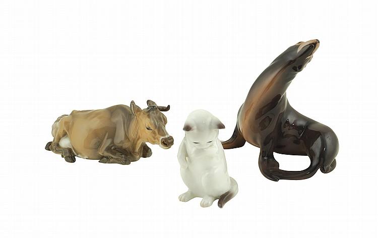 A set of polychrome porcelain animals (3)