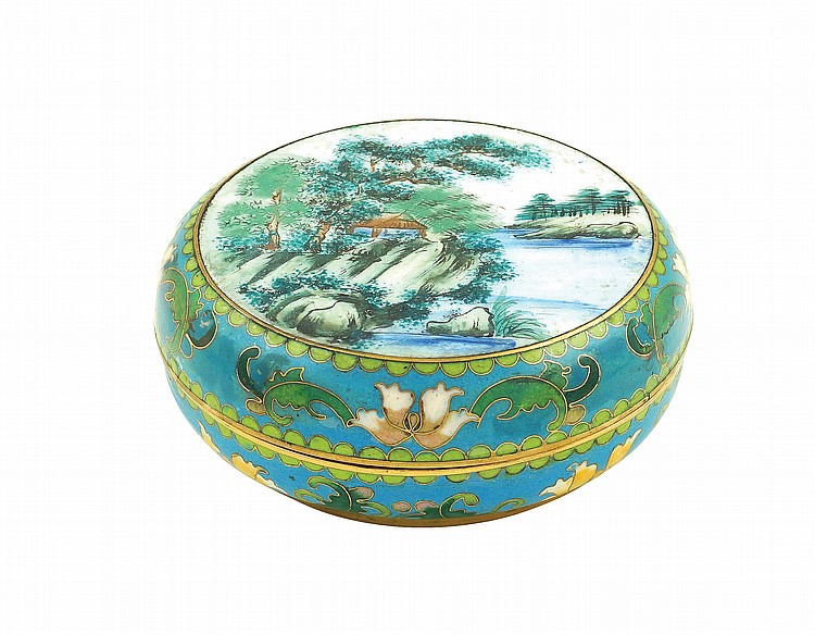 A Chinese guilloché enamel box