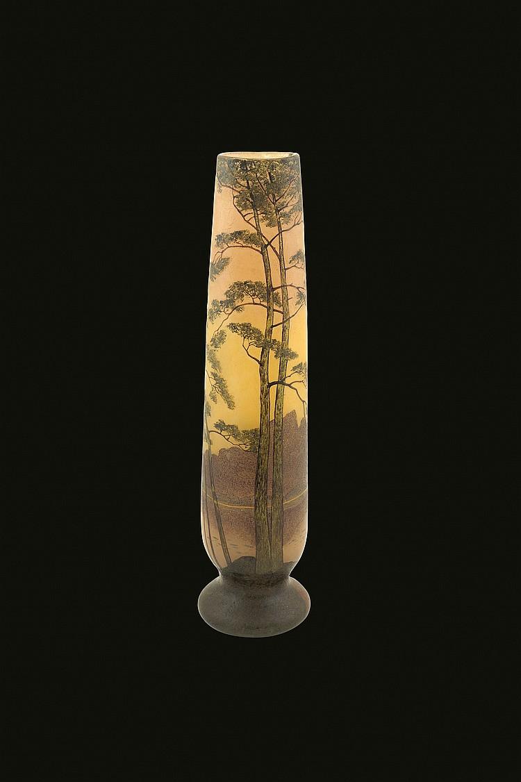A Legras Saint Denis glass jar