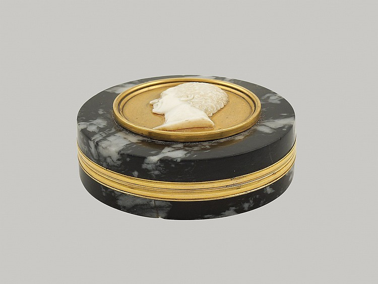A grey African marble snuff box