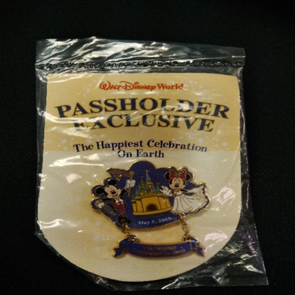 WDW Happiest Celebration On Earth 2005 Pin
