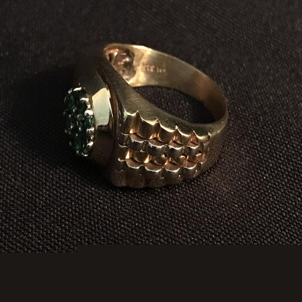 14K YG Men's Green Garnet Ring. STS.