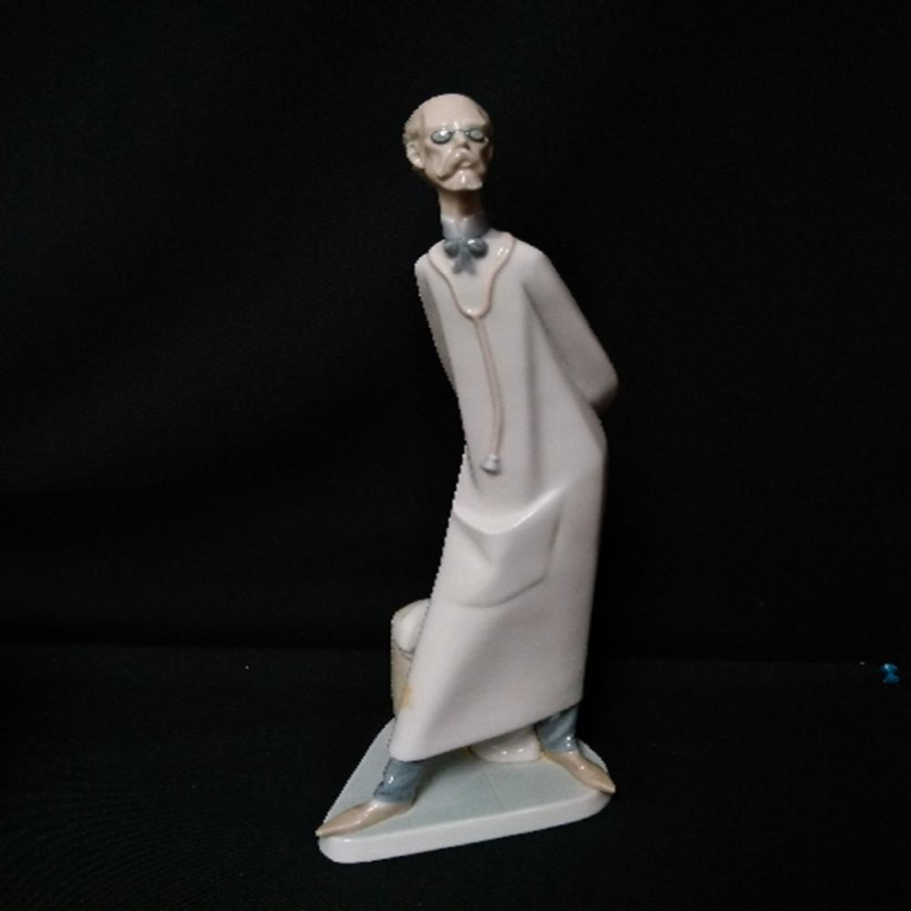 Lladro #4602.3: The Doctor With Original Box