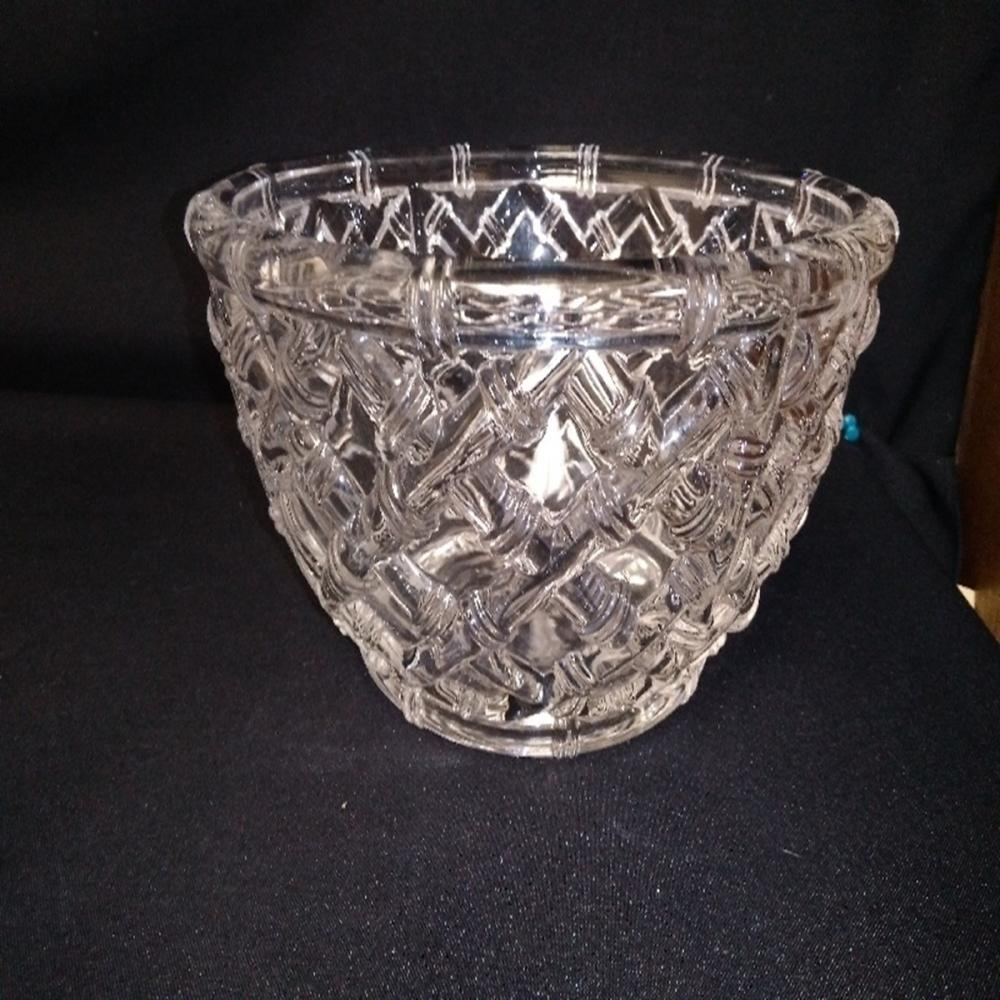 """Basket Weave"" 9 Inch Crystal Bowl"