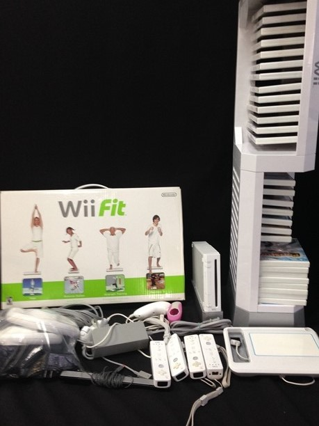 Nitendo Wii Game System Tower W Accessories