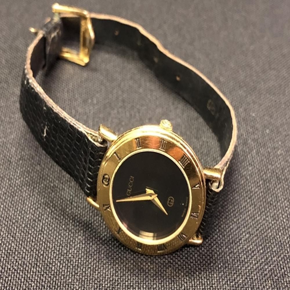 Womens Vintage Gucci 3000L Watch with Lizard Band