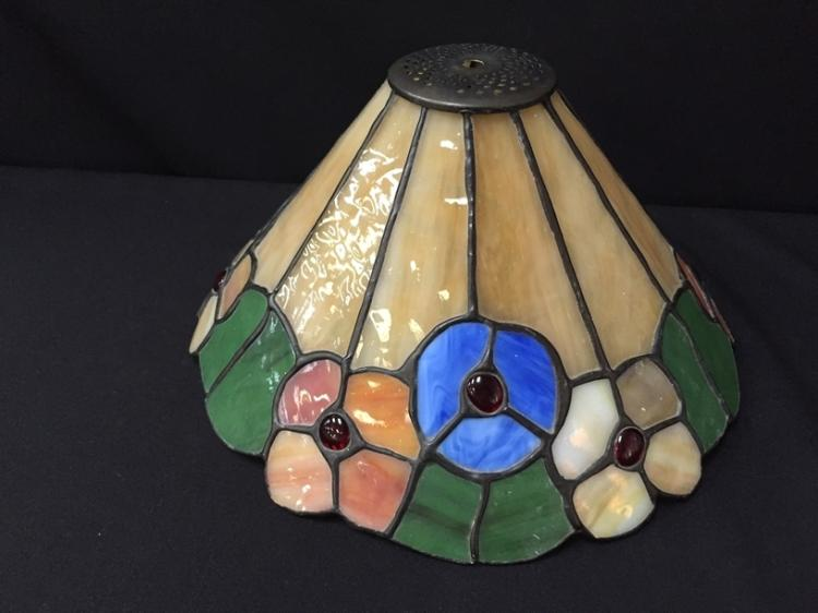 Lot 181: Vintage 'Tiffany Style' Stained Glass Lamp Shade.