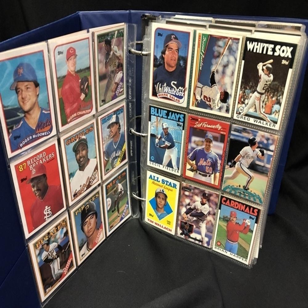 Binder Full of 800+ Major League Baseball Cards