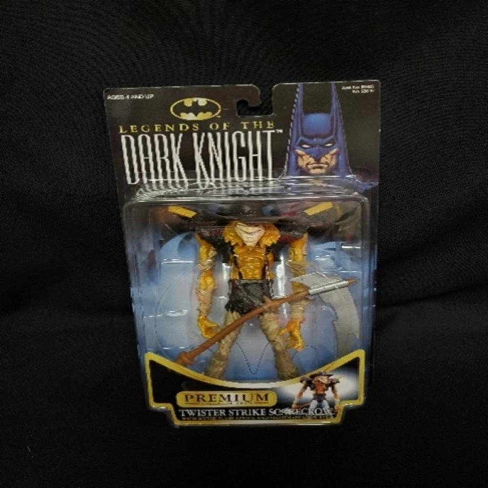 Legends of the Dark Knight Twister Strike Scarecro