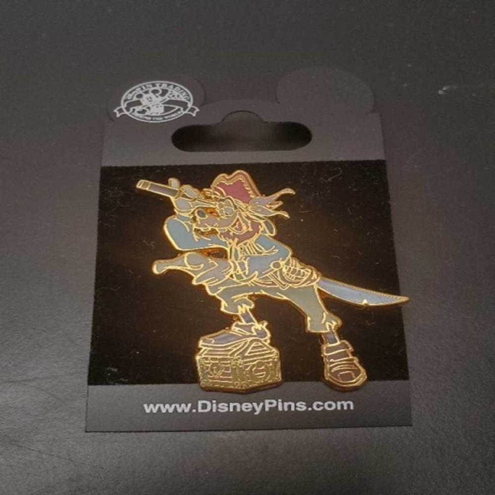 WDW Pirates Of The Caribbean Pirate GOOFY Pin