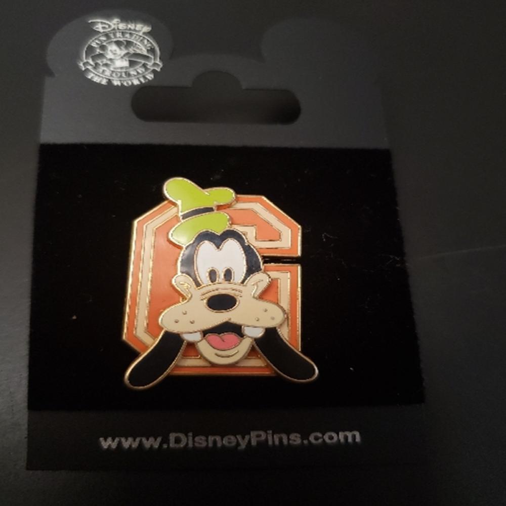 WDW Disney 2005 Varsity Block Letters G Goofy Pin