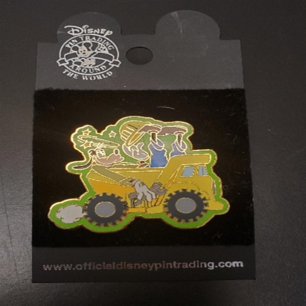 WDW Disney Construction Series Goofy Dump Truck