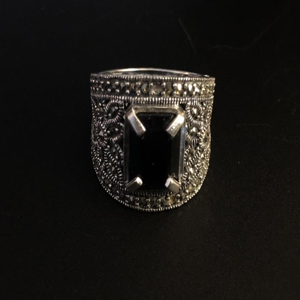 .925 Sterling Nephrite and Spinel Womens Ring