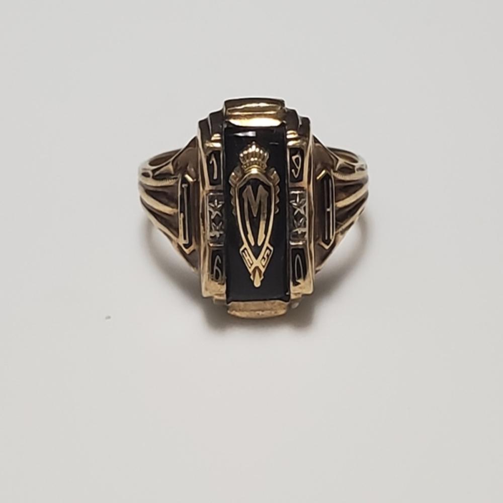 10 Karat Yellow Gold Class Ring