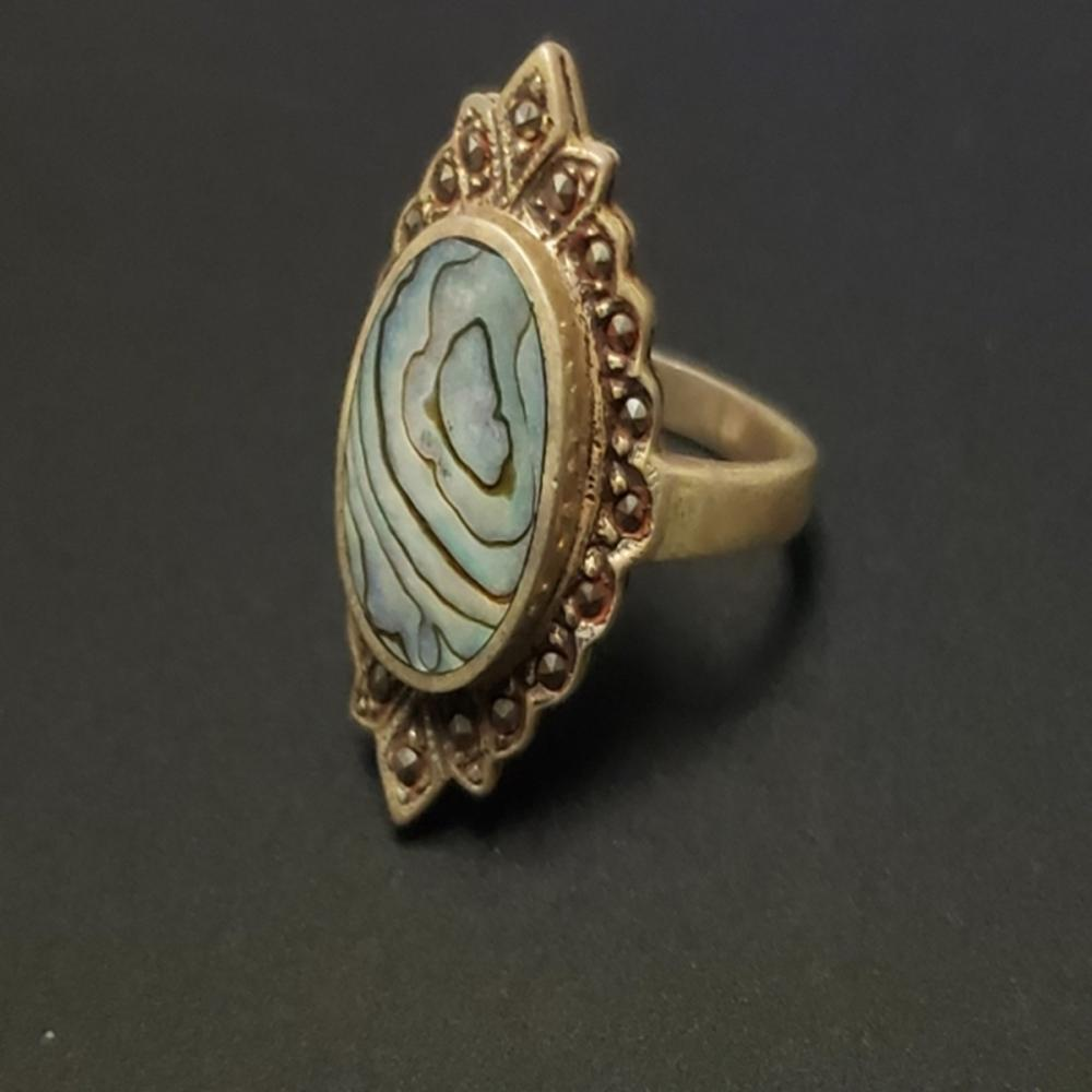 Lot 59: Abalone and Spinel Ring - Sterling Silver