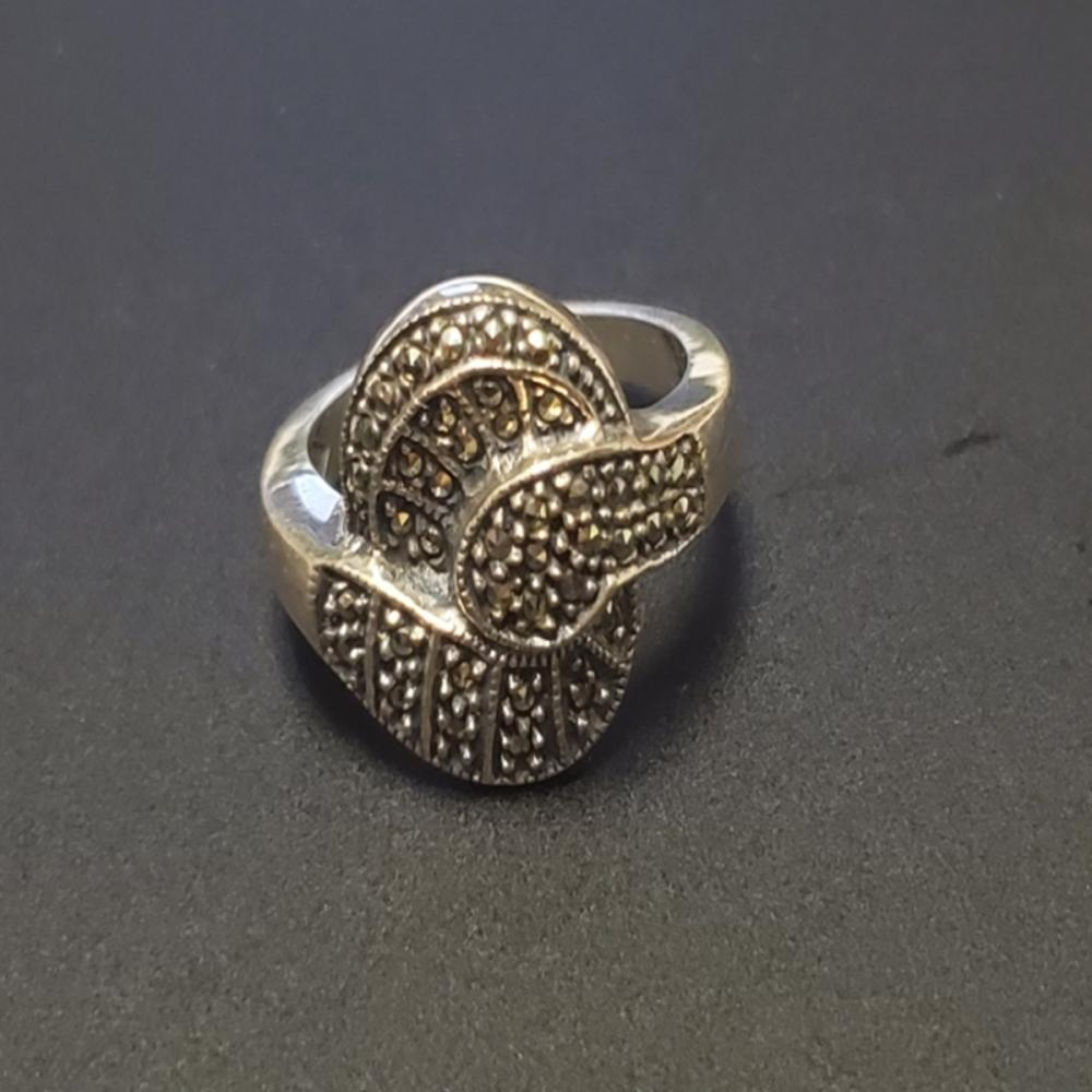 Ladies Sterling and Spinel Ring