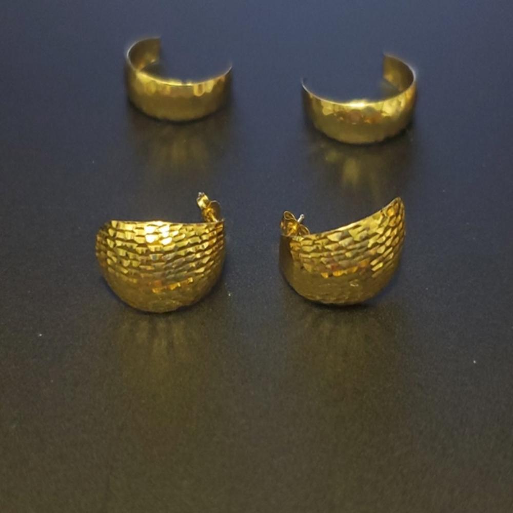 (2) Pairs 14 Karat Yellow Gold Hoop Earrings