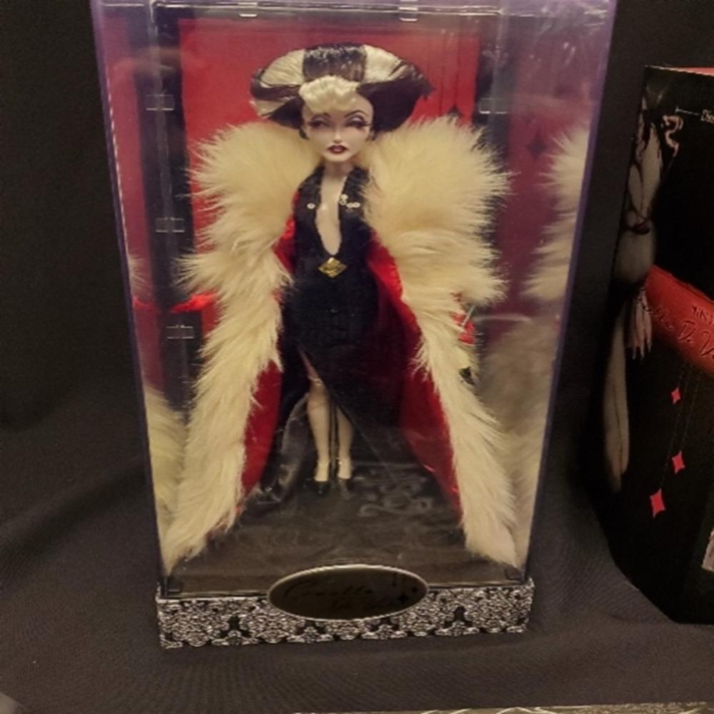 Disney Villains Designer Collection Dolls Cruella