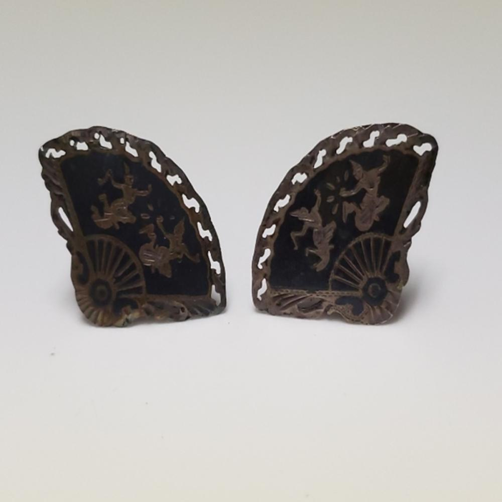Lot 112: E.Seng Chong Sterling Cuff Links