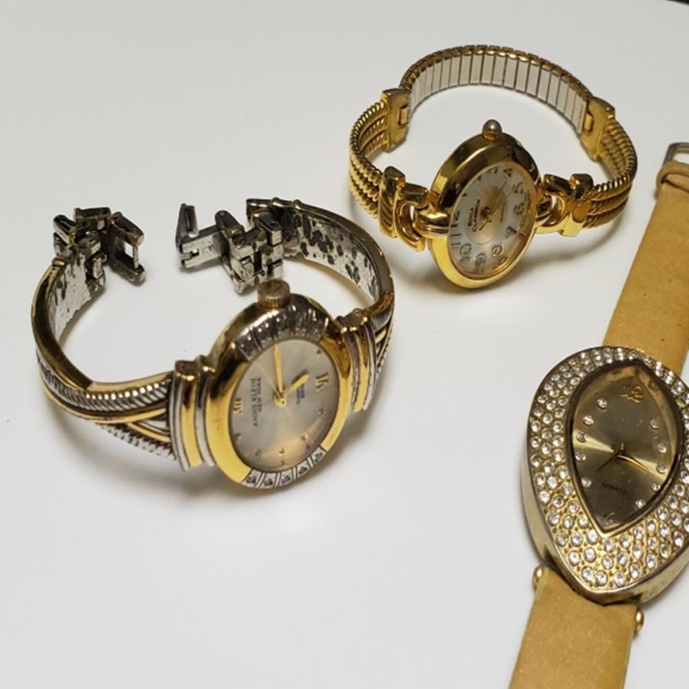 Lot 117: Gold Tone Watch Lot - Ladies