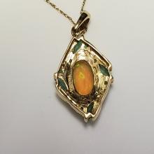 Lot 130: 10 Karat Yellow Gold Pendant Necklace