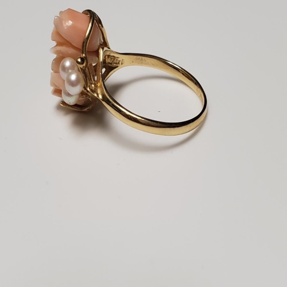 Lot 131: 14 Karat Yellow Gold Ring with Coral and Pearl