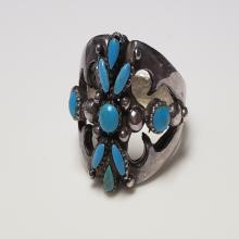 Lot 138: Turquoise and Sterling Silver Ring