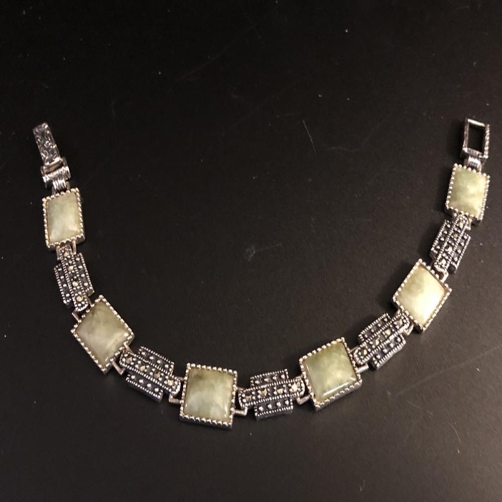 Sterling Silver Bracelet with Jadeite/Spinel Stone
