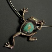 Lot 191: Silver and Turquoise Stone Frog Pendant