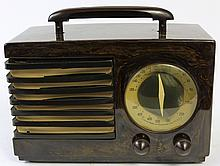 EMERSON MODEL 400 TABLE TOP TUBE STYLE RADIO.