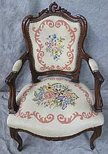 VICTORIAN OCCASIONAL ARMCHAIR. Ca. 1875. Richly